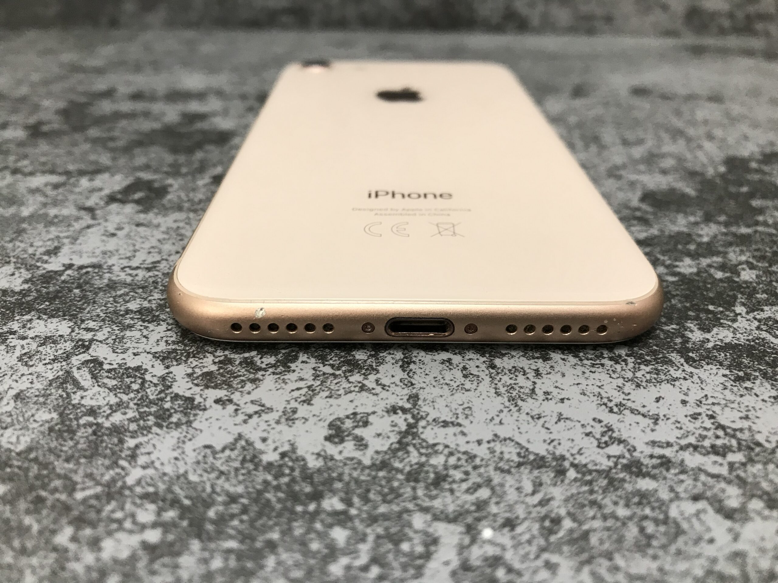 img 3682 scaled - IPhone 8 256Gb Gold б/у A-
