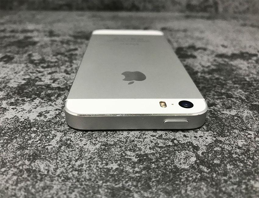 iphone 5s 32gb silver b u a 6 - IPhone 5S 32Gb Silver б/у A-