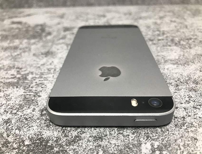 iphone 5se 32gb space gray bu a 4 - IPhone SE 16Gb Space Gray б/у A-