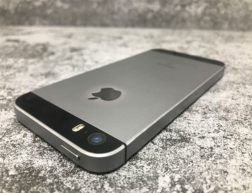 iphone 5se 32gb space gray bu a 5 - IPhone SE 16Gb Space Gray б/у A-