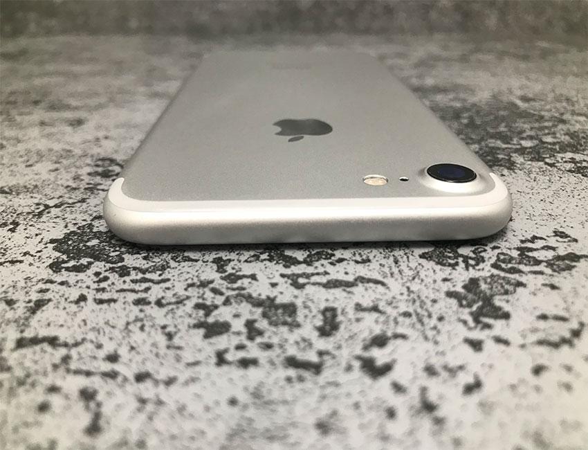 iphone 7 128gb silver b u a6 - IPhone 7 128Gb Silver б/у A
