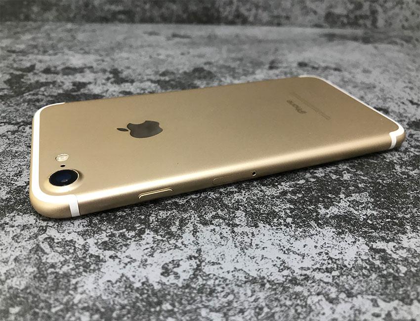 iphone 7 32gb gold b u a 3 - IPhone 7 32Gb Gold б/у A