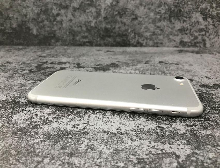 iphone 7 32gb silver b u a 4 - IPhone 7 32Gb Silver б/у A-
