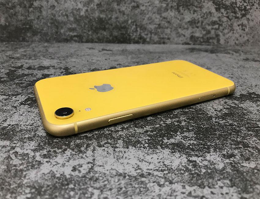 iphone xr 64gb yellow b u a 3 - IPhone XR 64Gb Yellow б/у A-